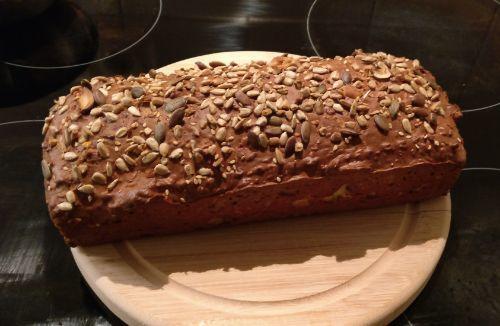 Low Carb Brot mit Quinoamehl (glutenfrei)
